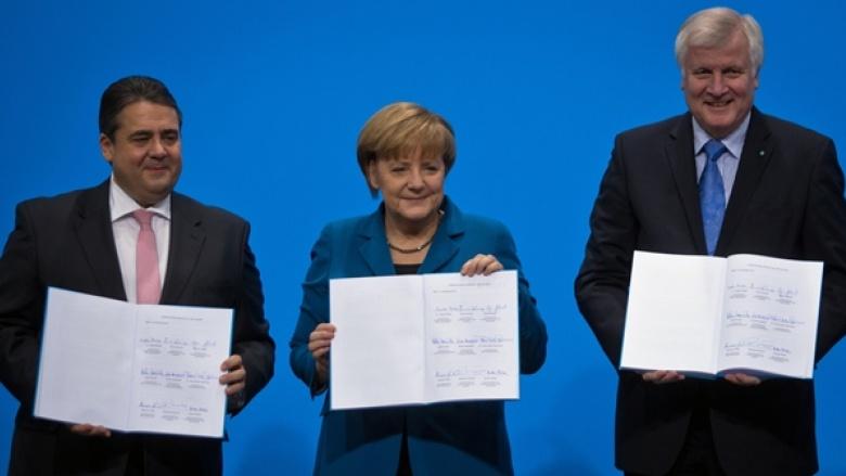 Foto: Unterzeichnung des Koalitionsvertrages
