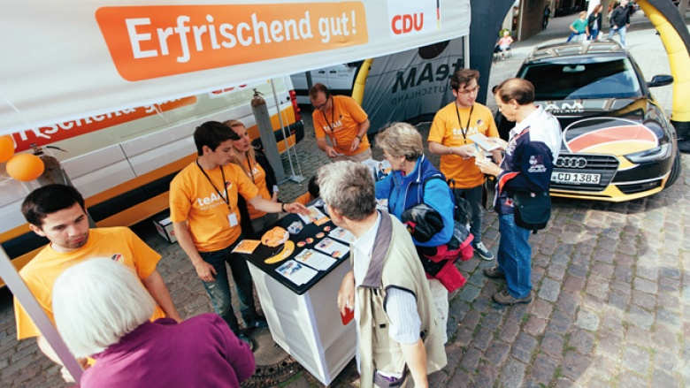 Das teAM Deutschland ist unterwegs mit Bundeskanzlerin Angela Merkel