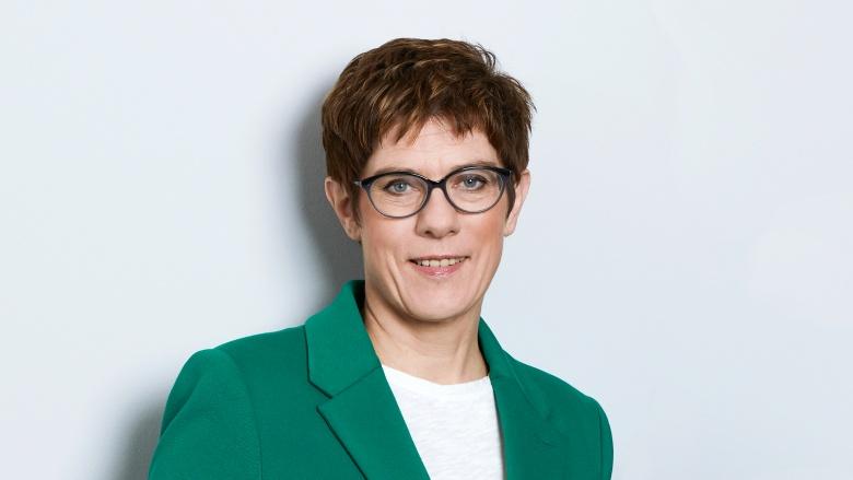 AKK: Ich erwarte Vorschläge der Grünen