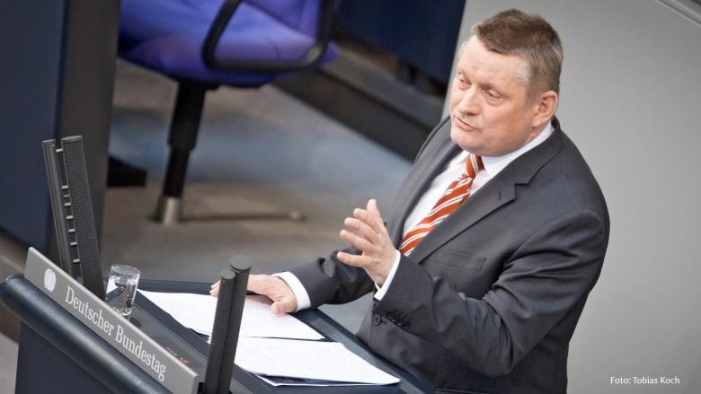 Rede von CDU-generalsekretär Gröhe im Deutschen Bundestag