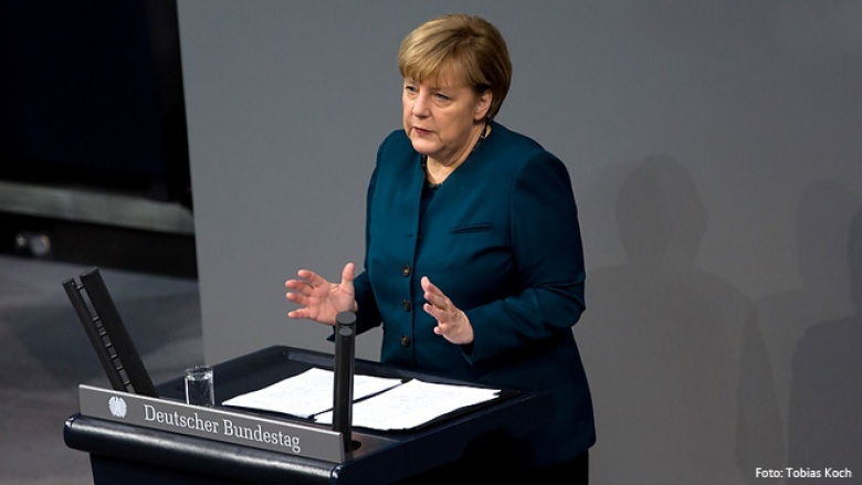 Bundeskanzlerin Angela Merkel bei ihrer ersten Regierungserklärung vor dem 18. Deutschen Bundestag