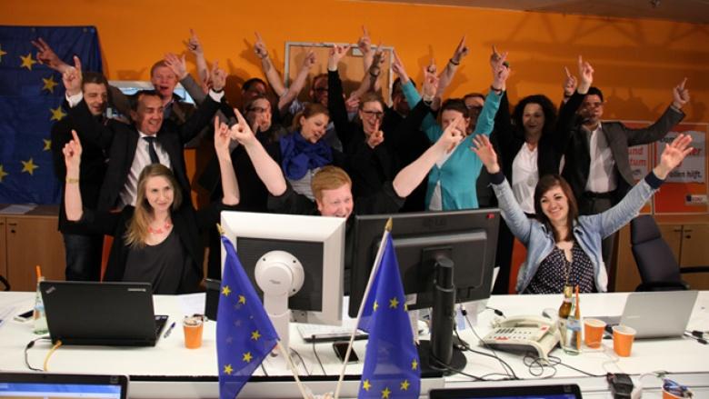 Das Online-Team der CDU wurde um viele freiwillige Helfer und Kollegen aus dem Haus ergänzt und hatte sichtlich Spaß beim Start