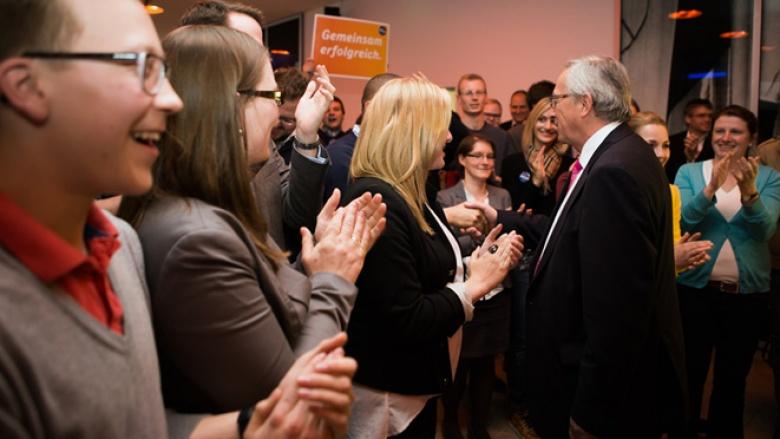 Plötzlich war er da: EVP-Spitzenkandidat Jean-Claude Juncker steht im Foyer des KAH …