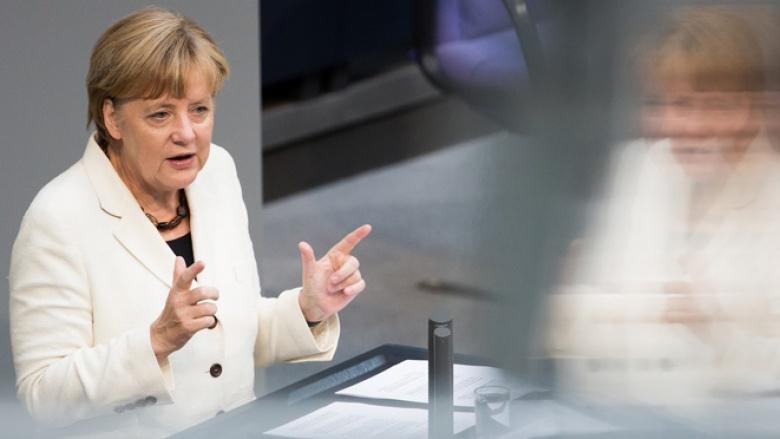 Angela Merkel bei ihrer Rede zum Bundeshaushalt 2015 im Bundestag