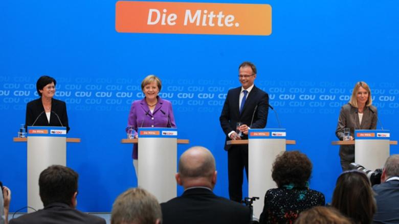 Christine Lieberknecht, Angela Merkel, Michael Schierack bei der Pressekonferenz nach den Landtagswahlen