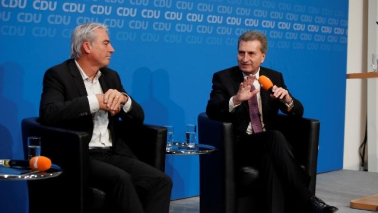 Günther Oettinger und Thomas Strobl beim Talk im Adenauer-Haus
