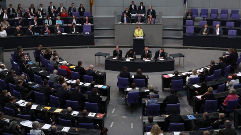 Regierungserklärung von Angela Merkel im Deutschen Bundestag