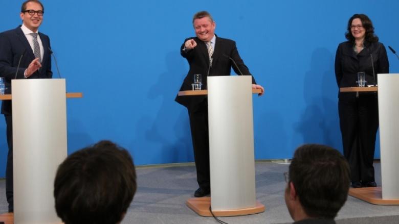 Hermann Gröhe mit Alexander Dobrindt und Andrea Nahles bei der Pressekonferenz der Generalsekretäre von CDU, CSU und SPD