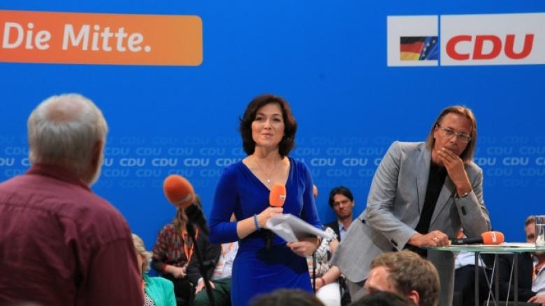 Katherina Reiche und Harald Welzer in der Diskussion mit dem Publikum beim Open Space zum Thema Nachhaltigkeit.