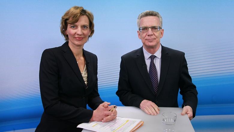 Thomas de Maizière im Gespräch zur Asyl- und Flüchtlingspolitik