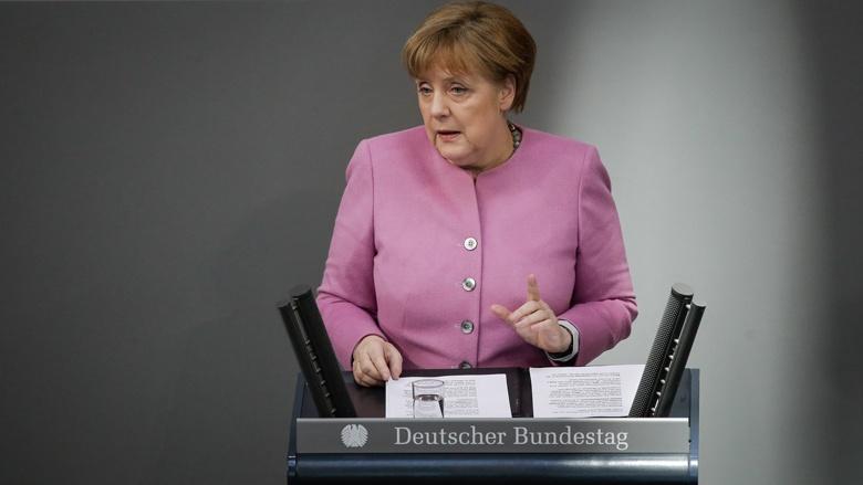 Angela Merkel während der Regierungserklärung im Bundestag
