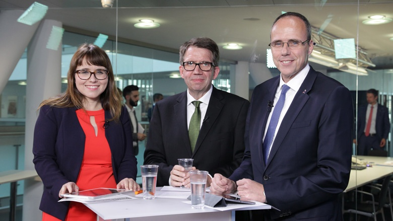Cemile Giousouf, Frank Bergmann und Innenminister Peter Beuth