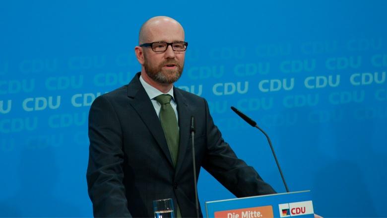 Peter Tauber bei der Pressekonferenz zur Wahl in Mecklenburg-Vorpommern
