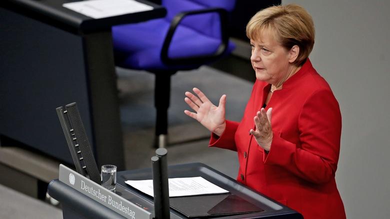Angela Merkel im Bundestag bei der Generaldebatte