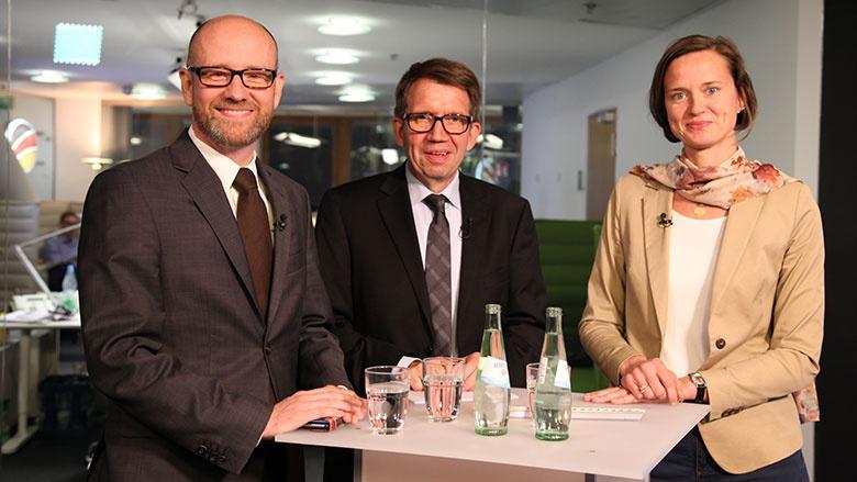 CDU Live mit Peter Tauber, Katrin Heinritz und Moderator Frank Bergmann (Mitte)