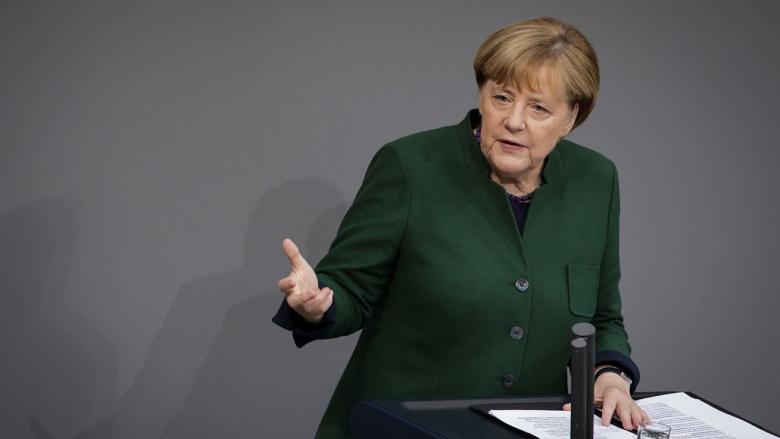 Angela Merkel im Plenum des Deutschen Bundestages