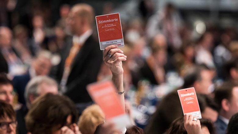 Flugblätter zu den Beschlüssen des Parteitags