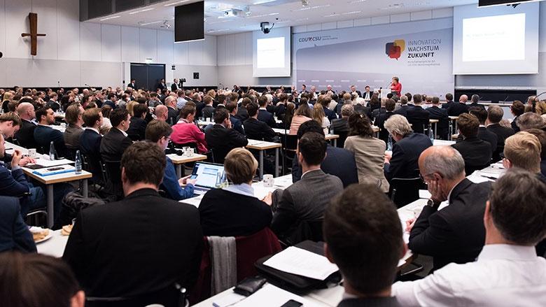 Bundeskanzlerin Angela Merkel beim Fraktionskongress