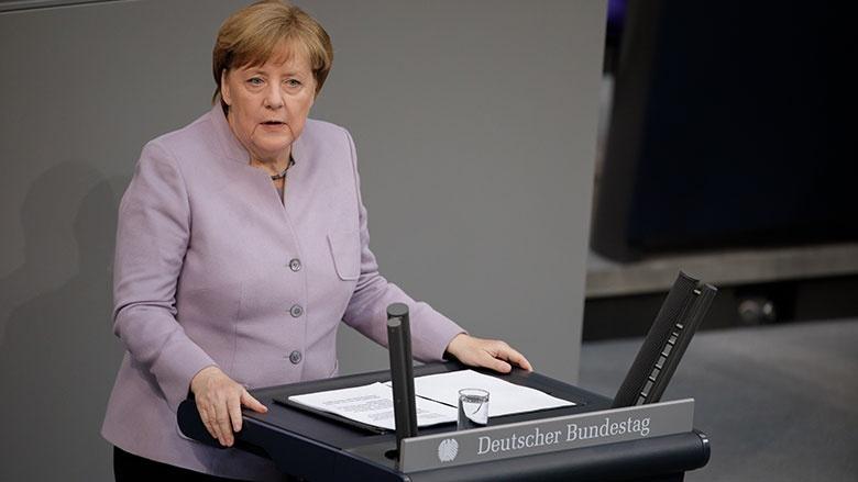 Angela Merkel bei ihrer Regierungserklärung im Bundestag