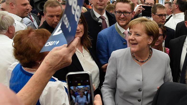 Einmarsch mit Angela Merkel