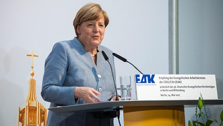 Merkel: Religion nicht ins Private verdrängen