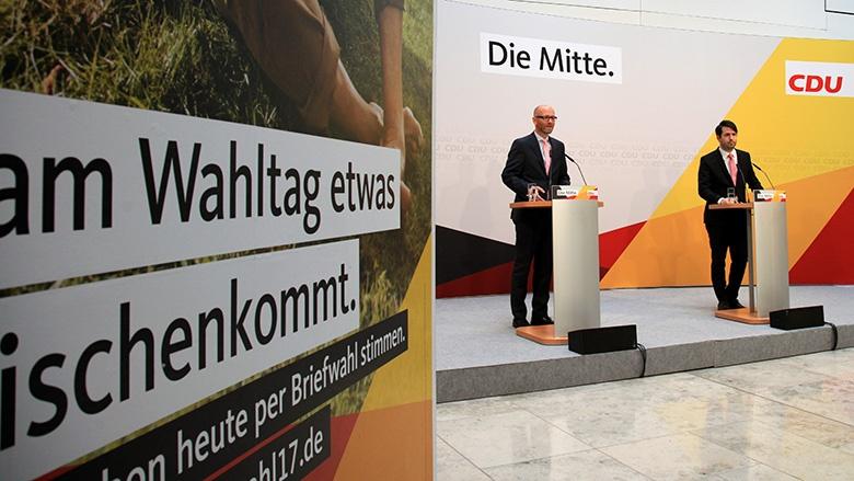 Peter Tauber stellt die Briefwahlkampagne vor