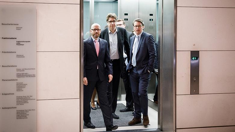 Gemeinsam auf dem Weg: Die Generalsekretäre von CDU und CSU, Peter Tauber und Andreas Scheuer mit dem politischen Bundesgeschäftsführer Michael Kellner