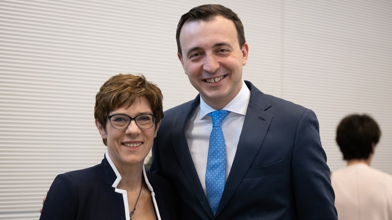 Die CDU-Vorsitzende Annegret Kramp-Karrenbauer mit ihrem Generalsekretär Paul Ziemiak