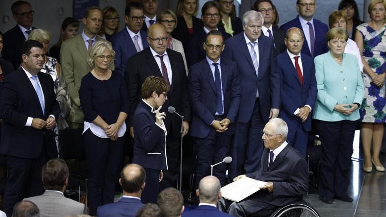 Vereidigung der neuen Verteidigungsministerin Annegret Kramp-Karrenbauer durch Bundestagspräsident Wolfgang Schäuble