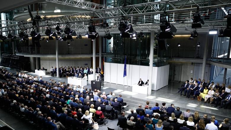 Verteidigungsministerin Annegret Kramp-Karrenbauer bei ihrer Regierungserklärung