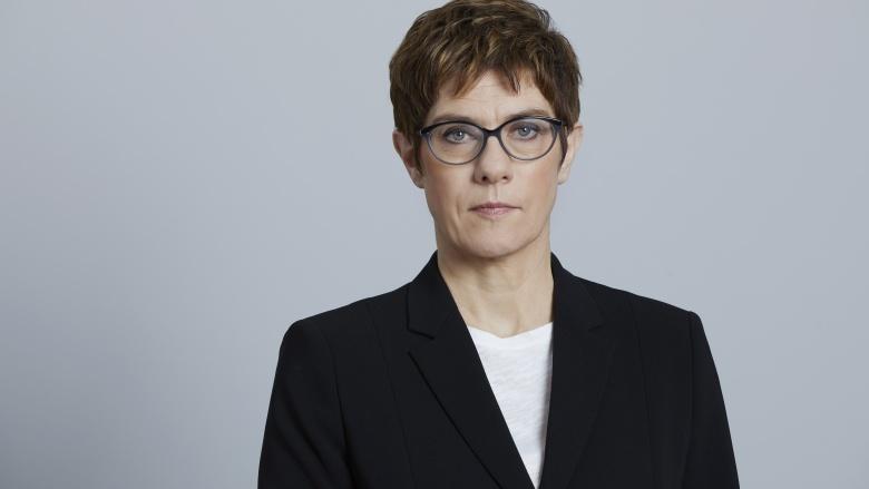 Annegret Kramp-Karrenbauer: Deutschland muss seine Interessen kraftvoller wahrnehmen