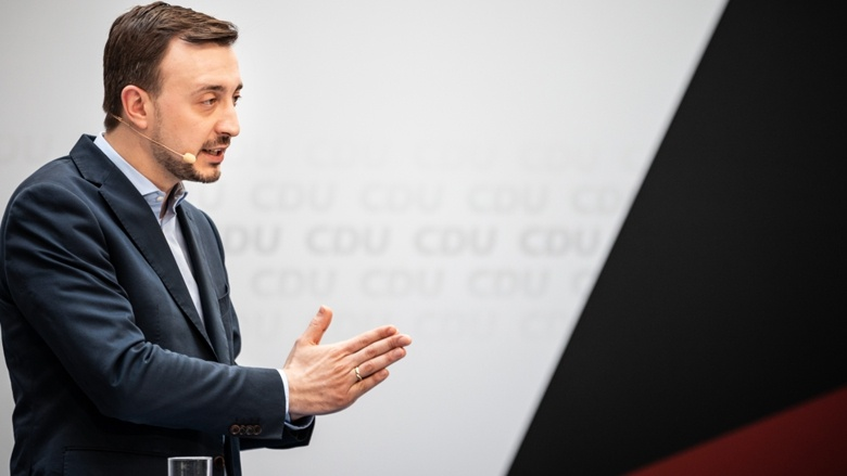 CDU-Generalsekretär Paul Ziemiak während der Pressekonferenz aus dem Konrad-Adenauer-Haus im Anschluss an die Sitzung des CDU-Präsidiums