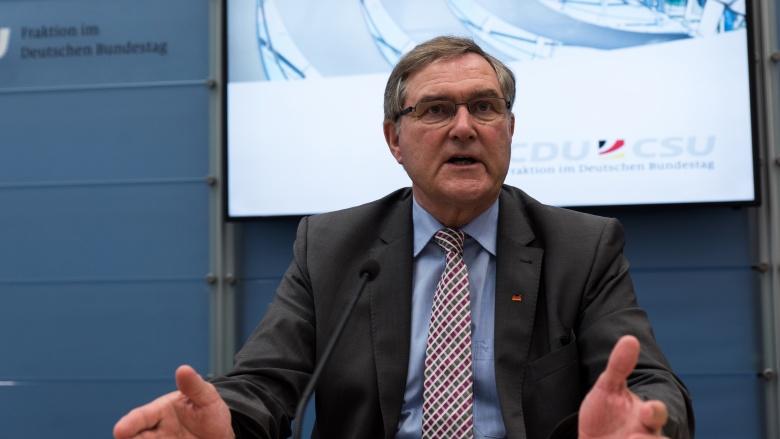 """Es war Völkermord"":  Der Bundestag erkennt Völkermord an Armeniern an"