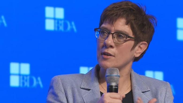 CDU-Vorsitzende Annegret Kramp-Karrenbauer während der Diskussion im Anschluss an ihre Rede auf dem Arbeitgebertag des BDA
