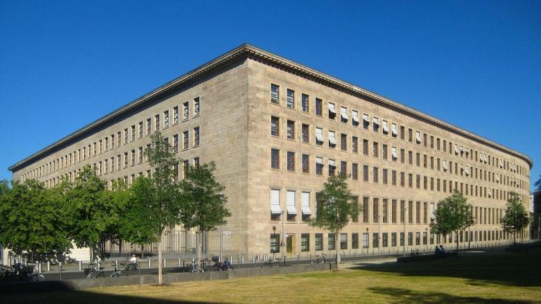 08.11.89: Umbruch im Politbüro