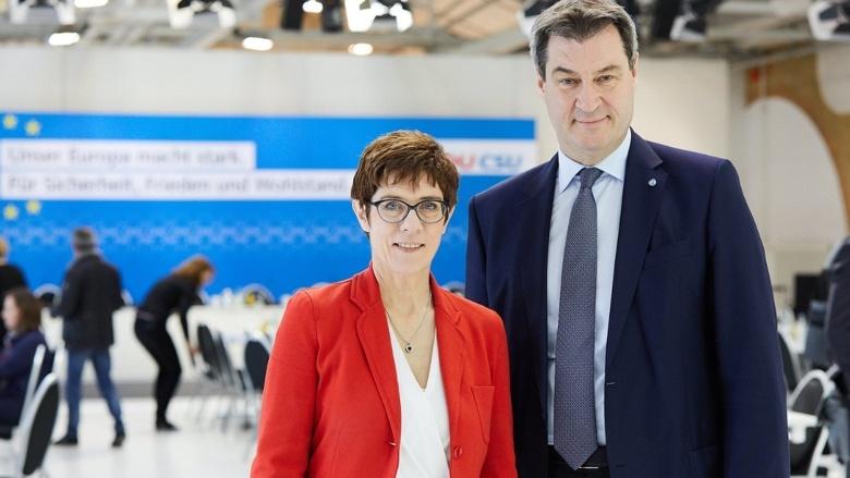 CDU-Vorsitzende Annegret Kramp-Karrenbauer und CSU-Vorsitzender Markus Söder am Rande der gemeinsamen Vorstandssitzung von CDU und CSU.