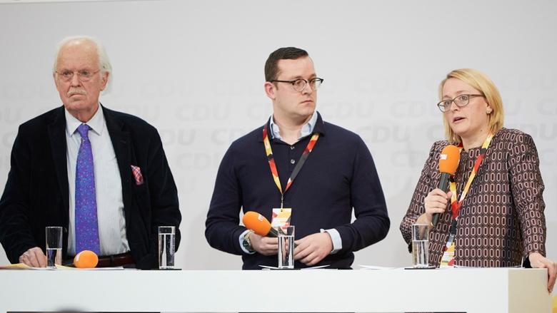 Auf dem Bild sieht man: Otto Wulf (SU), Sebastian Mathes (RCDS) und Anja Wegner-Scheid (FU)