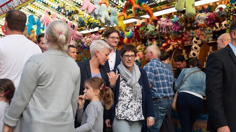 CDU-Generalsekretärin Annegret Kramp-Karrenbauer auf Wahlkampftour in Hessen