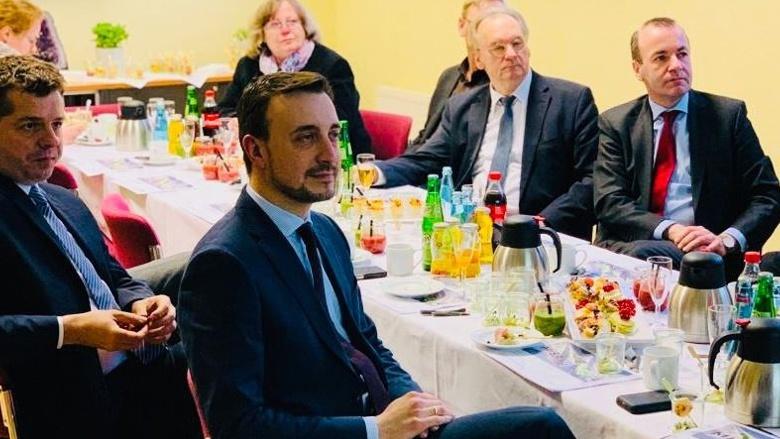 CDU-Generalsekretär Paul Ziemiak besucht einen Standort der Mitteldeutschen Braunkohlegesellschaft in Elsterlaue (Sachsen-Anhalt)