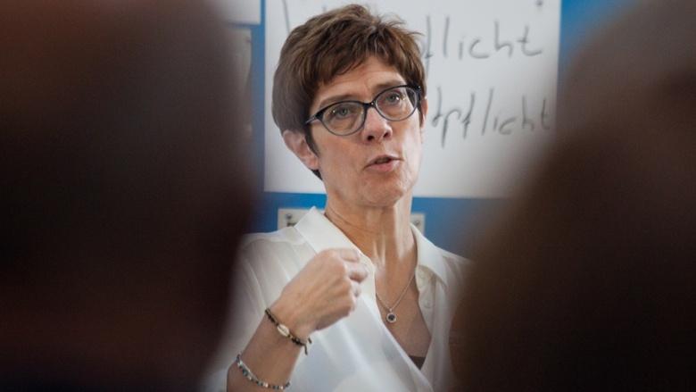 CDU-Generalsekretärin Annegret Kramp-Karrenbauer im Setting während der Zuhör-Tour zum CDU-Grundsatzprogramm im Alten E-Werk in Cottbus