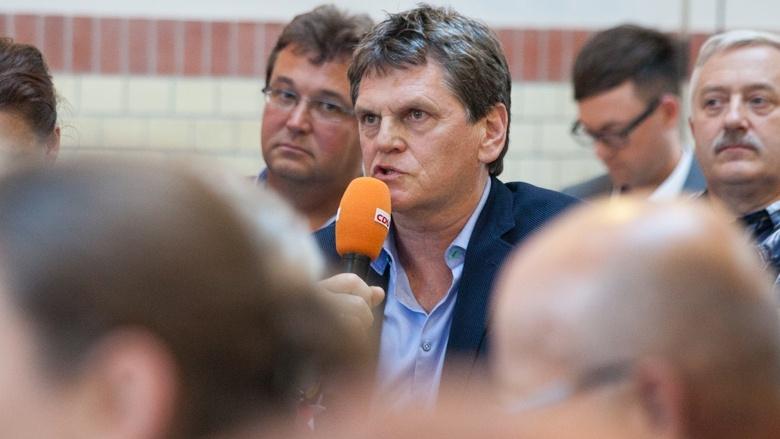 Teilnehmer der Zuhör-Tour zum CDU-Grundsatzprogramm im Alten E-Werk in Cottbus