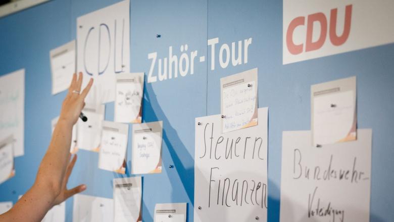 Steuern, Bundeswehr, CDU: Nur einige der Themen bei der Zuhör-Tour in Kassel