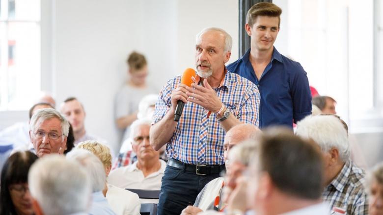 Etwa 180 CDU-Mitglieder waren in den Südflügel des Kasseler Kulturbahnhofs gekommen, um das neue CDU-Grundsatzprogramm zu diskutieren.
