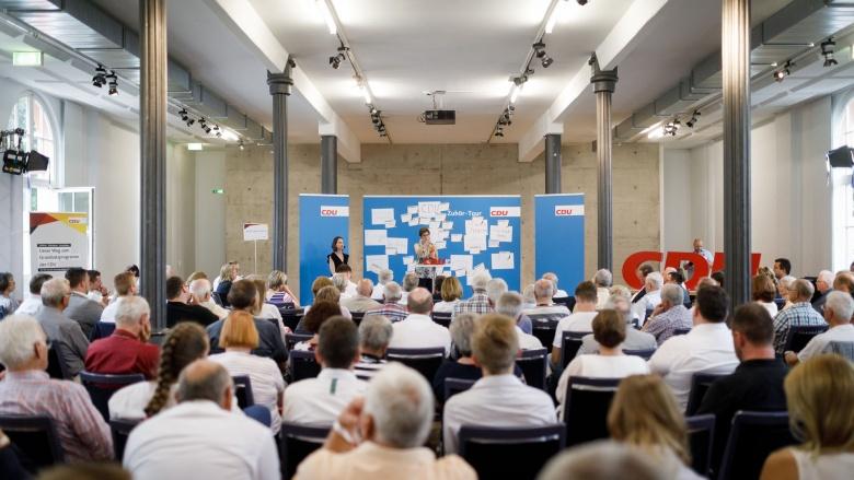 Die Zuhör-Tour war diesmal im Kulturbahnhof in der Documenta-Stadt Kassel zu Gast