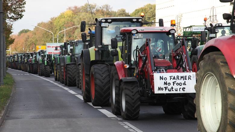 Auch vor der CDU-Zentrale in Berlin demonstrieen die Landwirte.