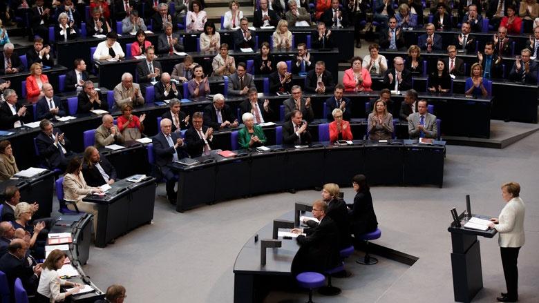 Plenarsaal während der Regierungserklärung von Angela Merkel