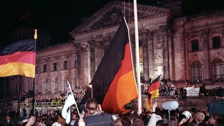 3. Oktober 1990 in Berlin vor dem Reichtstagsgebäude