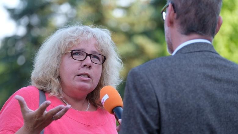 CDU-Generalsekretärin Annegret Kramp-Karrenbauer Zuhör-Tour Sehnde