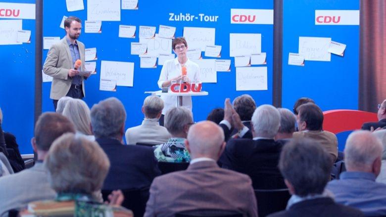CDU-Generalsekretärin Annegret Kramp-Karrenbauer Zuhör-Tour Wetzlar