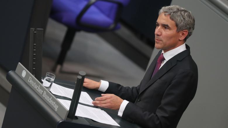 """Der stellvertretende Fraktionschef der CDU/CSU-Bundestagsfraktion, Stephan Harbarth, mahnte an, das Ehrenamt zu stärken, das auf dem Land """"in ganz besonderer Dichte"""" vorkomme"""